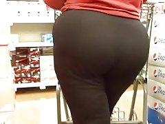 Phụ nữ trưởng thành với một ass lớn!!